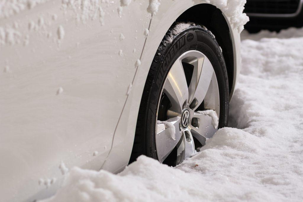 Auto winterfest machen reifen
