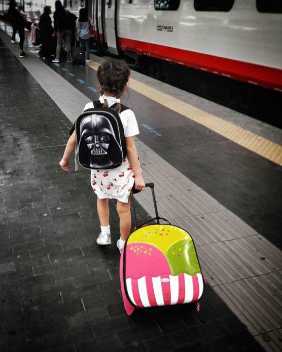 enfant-train-gare