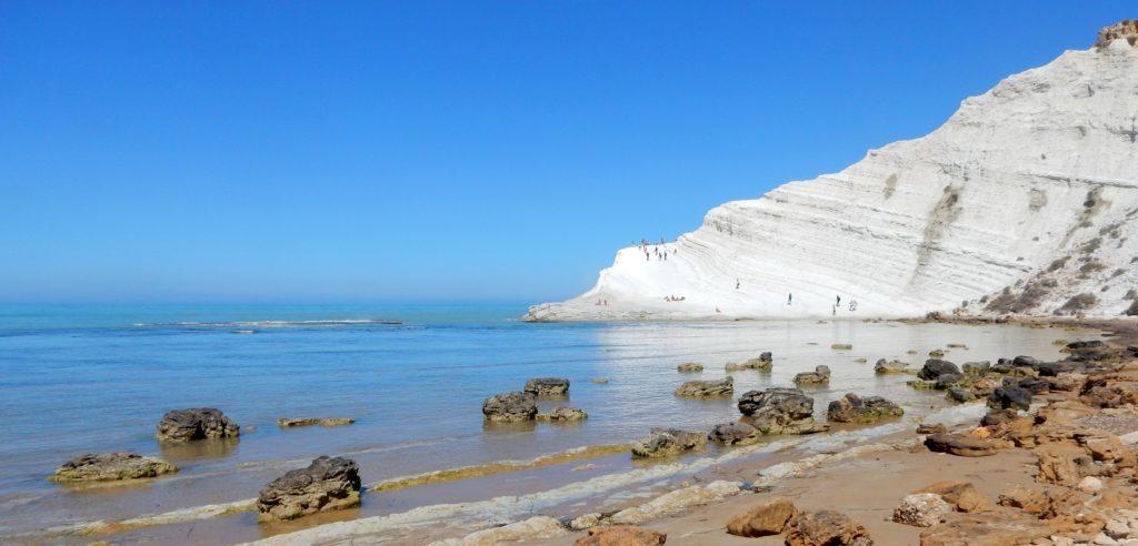2-Torre-salsa-meilleures-plages-nudistes-de-Sicile