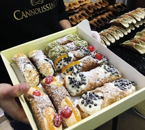 Restaurants-en-Sicile-cannolo-