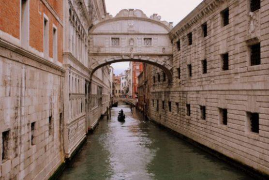 Que-voir-à-Venise-le-pont-des-soupires